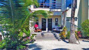 Tres Cocos Resort Office